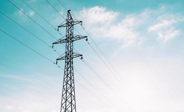 Sähköverkkopalvelu on yksi yhteiskunnan tärkeimmistä taustapalveluista, jota ilman mikään ei nykypäivänä kohtuudella toimisi.