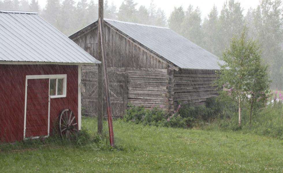 Vuonna 2011 riehuneet Tapani- ja Hannu-myrskyt toimivat sysäyksenä sähkölain uudistamiselle.
